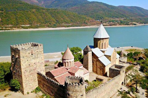 крепость Ананури 17 век.Грузия